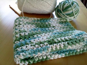 You can knit or crochet a dishcloth!  Who knew?  A lot of people who are not me, that's who.